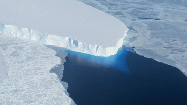 Ice loss from the Thwaites Glacier