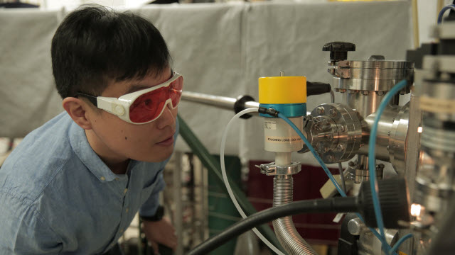 Materials science and engineering postdoctoral researcher Hyungwoo Lee