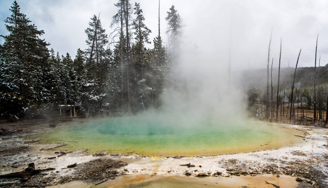 Cistern Spring in Yellowstone National Park