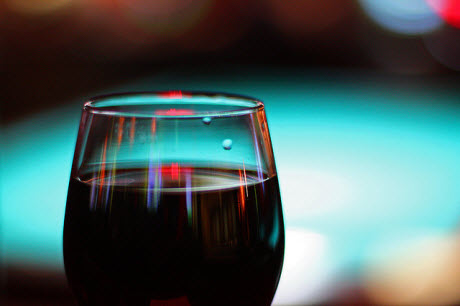 Arsenic found in many U.S. red wines, but health risks depend on total diet
