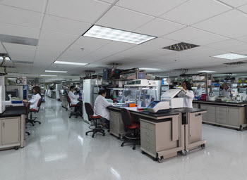 The Laboratories for Analytical Biology post-PCR space